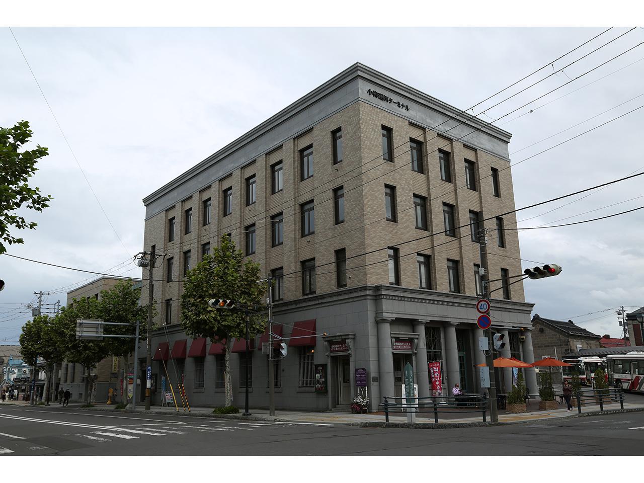 画像:色内銀行街(旧三井物産及び旧三菱商事小樽支店)(2)