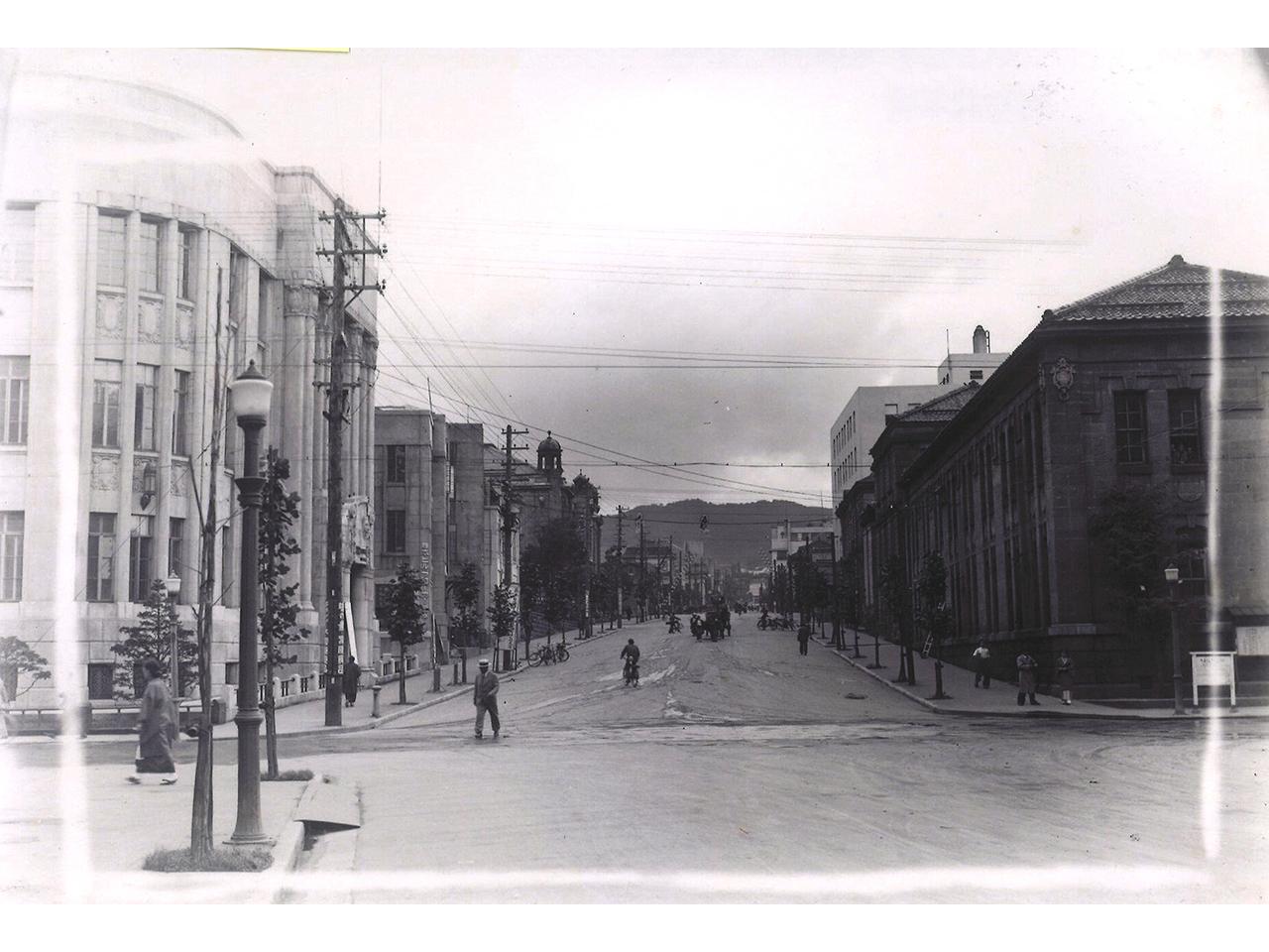 画像:色内銀行街(旧三井物産及び旧三菱商事小樽支店)(3)