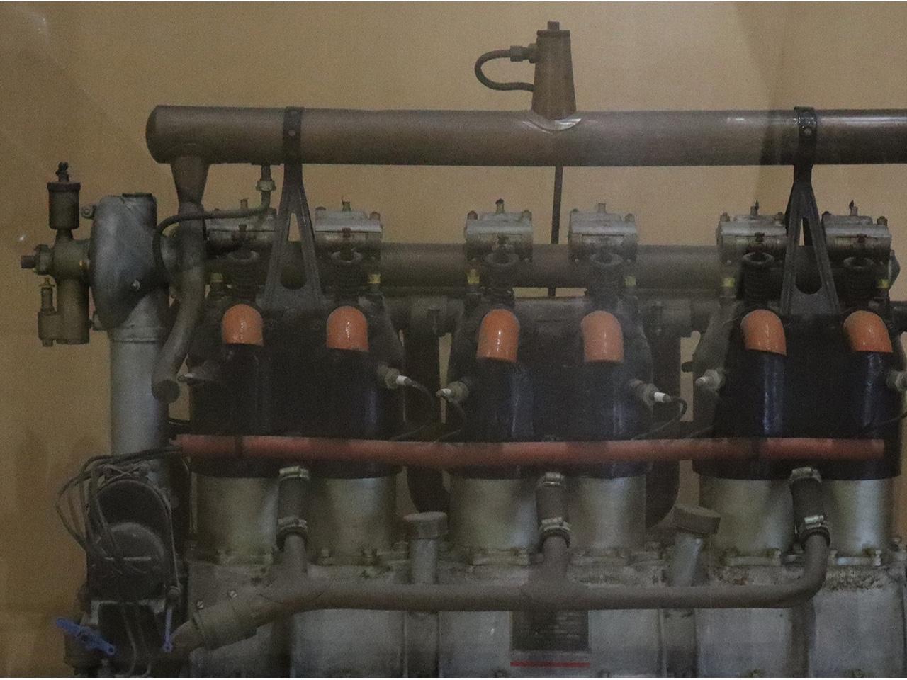 画像:日本製鋼所室蘭製作所製造 複葉機エンジン「室0号」(2)