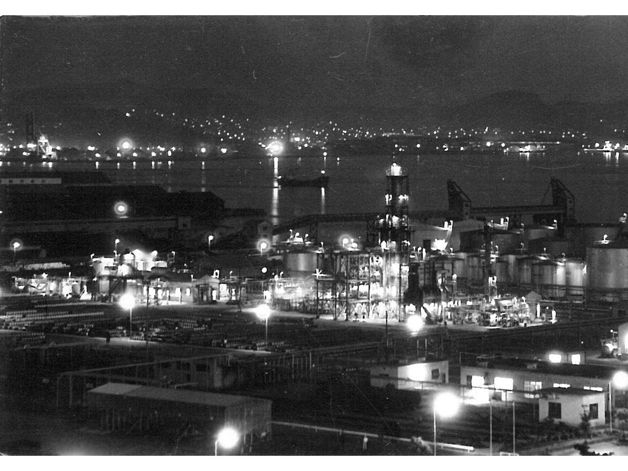 画像:工場景観と企業城下町のまちなみ(12)