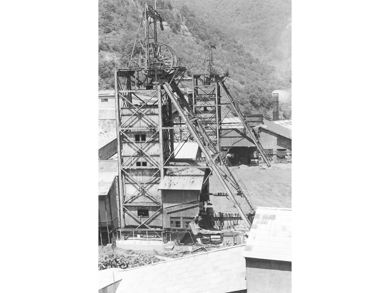 画像:三菱美唄炭鉱竪坑櫓(4)