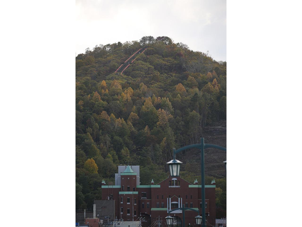 画像:北炭赤間炭鉱ズリ山(2)