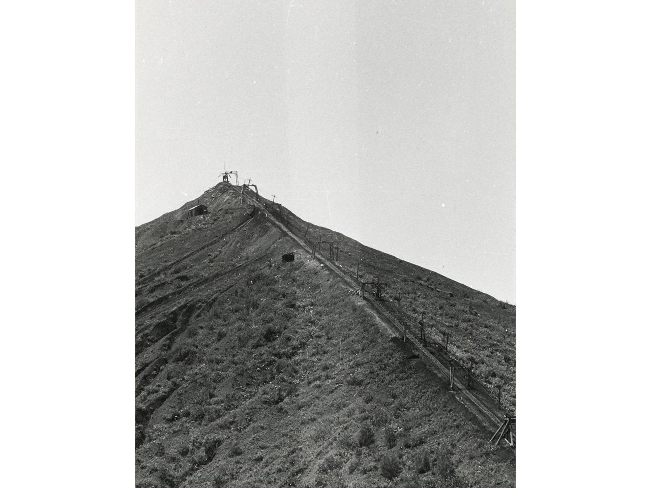 画像:北炭赤間炭鉱ズリ山(5)