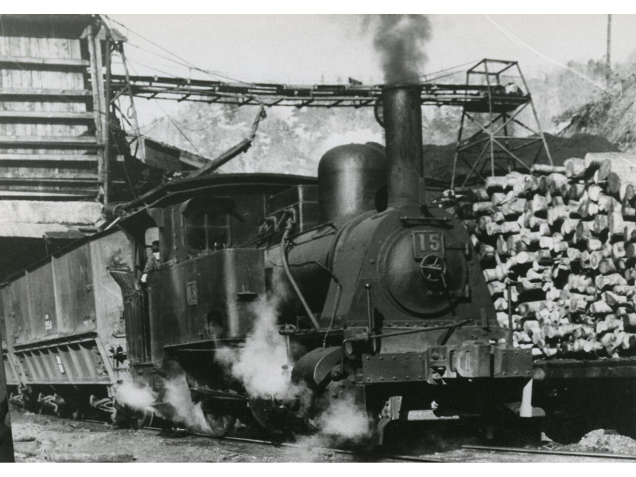 画像:クラウス15号蒸気機関車(4)